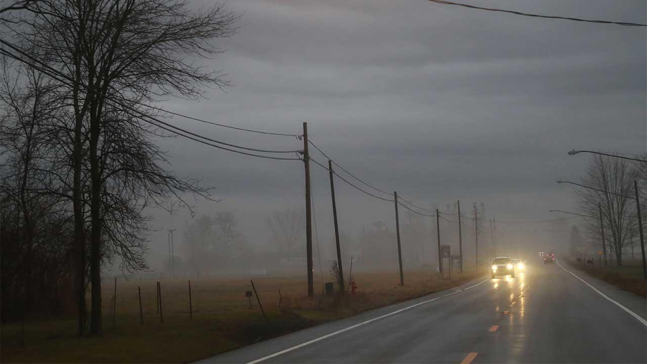 Foggy Thursday evening on the road in Seneca Falls (photo)